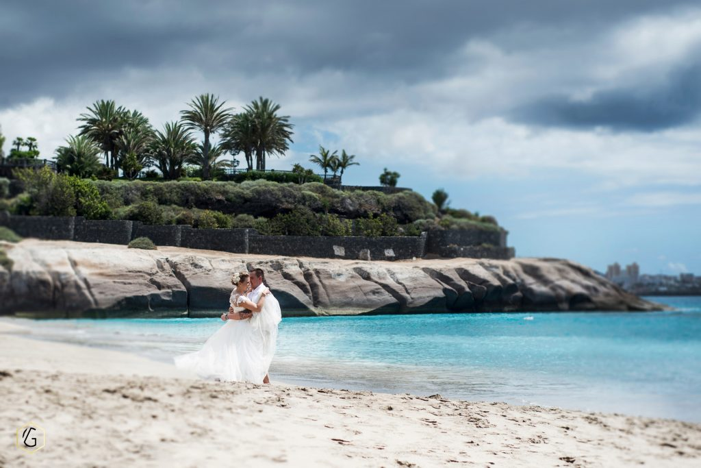 , Vestuvės užsienyje